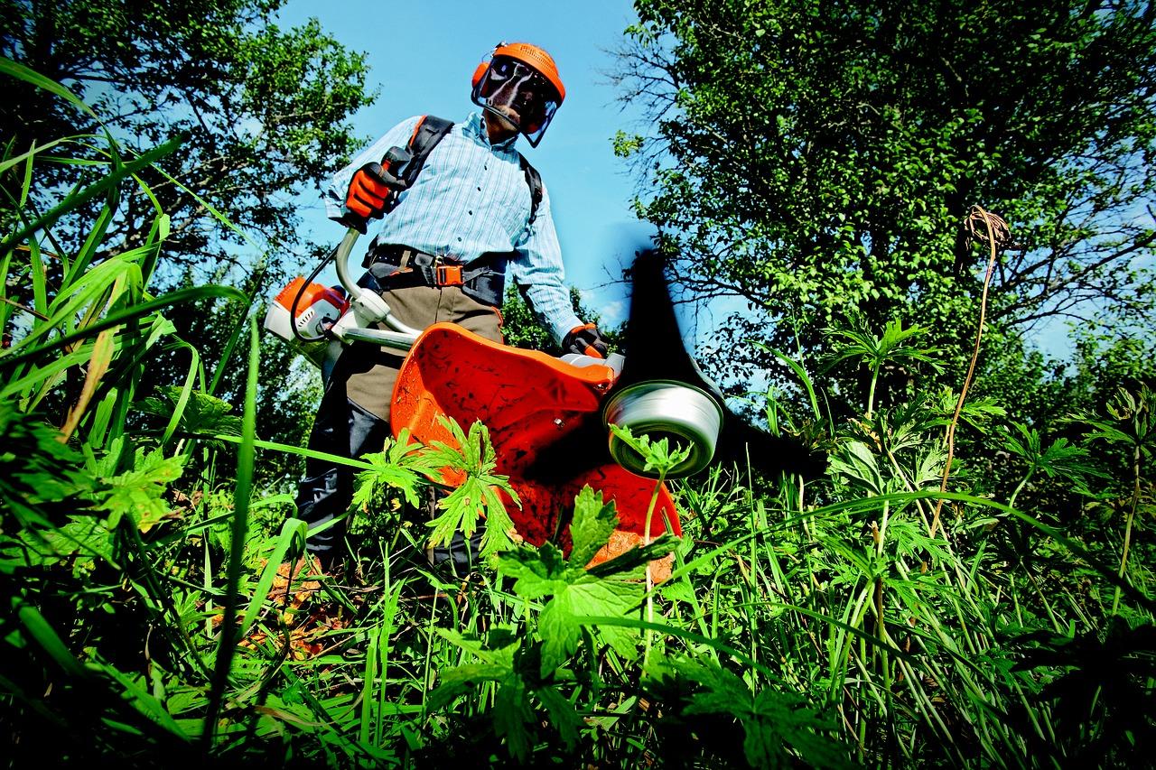 outils de jardinage utilent